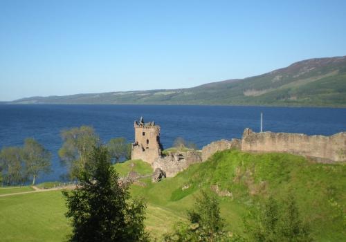 Urquhart Castle en het Loch Ness